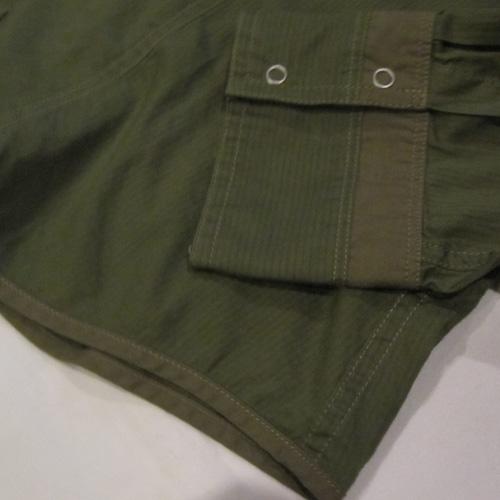 バッチ付きロングスリーブボタンシャツ - 4