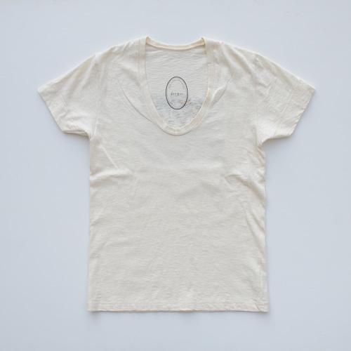 ASHANTie /アシャンティ VネックフラワーTシャツ