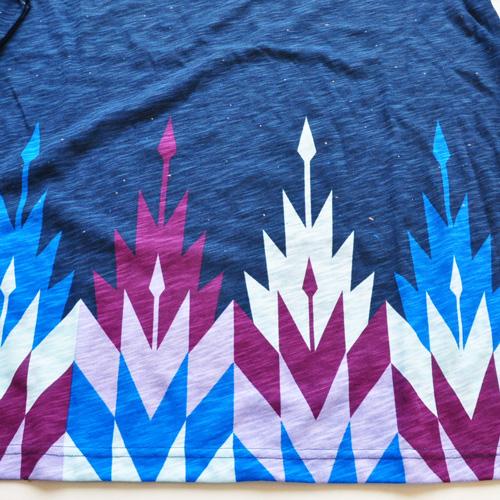 AMERICAN RAG CIE / アメリカンラグシー VネックボーダーグラフィックTシャツ - 4