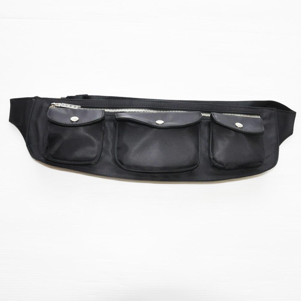 DKNY/ダナキャラン 4ポケットナイロンショルダーバック ブラック