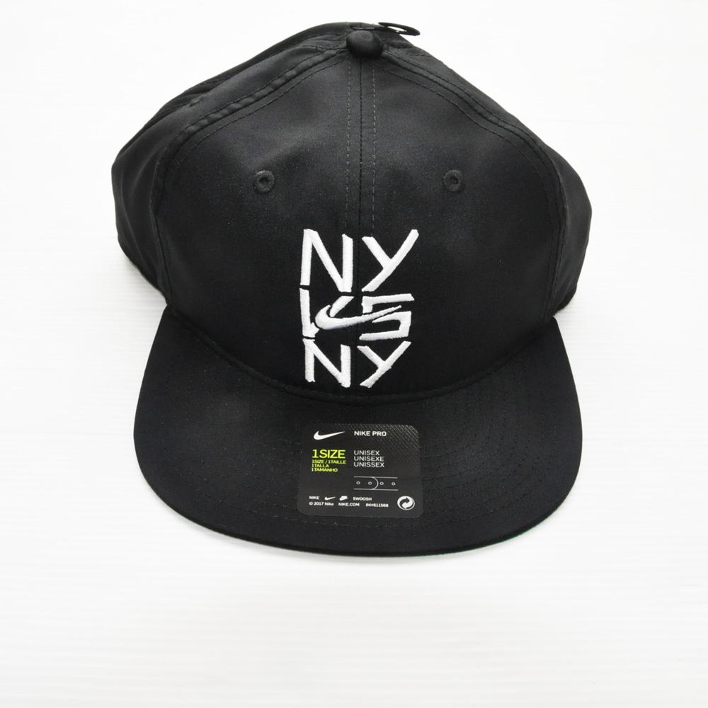 NIKE/ナイキ NY VS NY スナップバック 海外限定