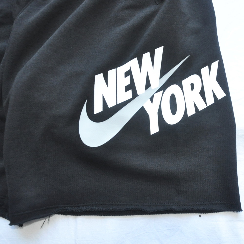 NIKE/ナイキ NIKE SPORTS WEAR NEW YORK LOOSE FIT SWEAT SHORTS BLACK NYC LIMITED